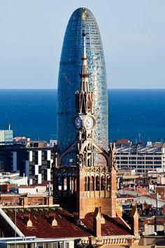 Hospital Sant Pau, torre Agbar y el mar...Barcelona