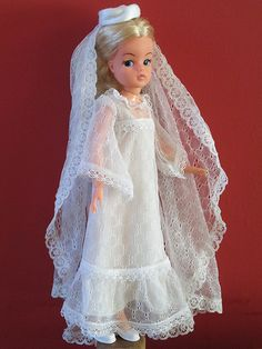 Sindy doll in 1977 'Beautiful Bride' outfit