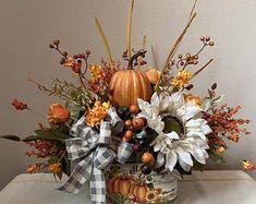 Sunflower Floral Arrangements, Pumpkin Arrangements, Halloween Floral Arrangements, Fall Table Centerpieces, Fall Table Decorations, Harvest Decorations, Thanksgiving Centerpieces, Floral Centerpieces, Autumn Wreaths