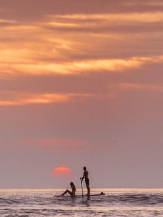 Let's go somewhere the sun kisses the ocean. Stand up paddle boarder couple watching sunset from the Pacific Ocean in Tamarindo Costa Rica. Photographed by Kristen M. Brown, Samba to the Sea for The Sunset Shop. Beach Pink, The Beach, Girl On Beach, Couple Beach, Beach Day, Beach Aesthetic, Summer Aesthetic, Travel Aesthetic, Adventure Aesthetic