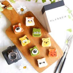 Tsum Tsum toast art by Nayoko *・☆・*. Cute Snacks, Cute Desserts, Cute Food, Bento Recipes, Baby Food Recipes, Sweet Recipes, Toddler Meals, Kids Meals, Kawaii Cooking