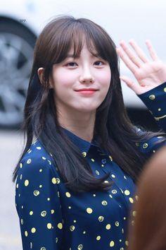Cute Girls, Cool Girl, Wjsn Luda, Cosmic Girls, Starship Entertainment, Beautiful Asian Girls, Korean Singer, Asian Woman, Kpop Girls
