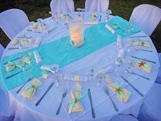 Aqua wedding table setting with Favors with starfish !!!