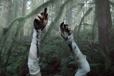 Based in Portland, photographer Kyle Thompson creates images with a surreal touch. Thompson has been taking photos since he was 19 years old and his body of wor Kyle Thompson, The Last Summer, Arte Obscura, Southern Gothic, Foto Art, Character Aesthetic, Laura Lee, The Villain, Dragon Age