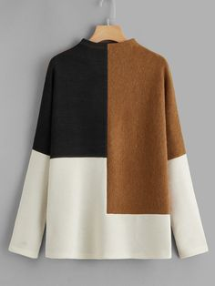 SHEIN offers Color-block Rib-knit Tee & more to fit your fashionable needs. Sewing Clothes, Diy Clothes, Hijab Fashion, Fashion Dresses, Handgestrickte Pullover, Mode Top, Fashion Details, Fashion Design, Mode Hijab