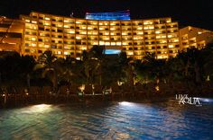 Feel the night and enjoy Live Aqua Cancun's relaxing atmosphere.
