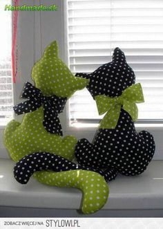 Cats Toys Ideas - How cute, I would love to make these. - Ideal toys for small cats Sewing Toys, Sewing Crafts, Sewing Projects, Craft Projects, Free Sewing, Craft Ideas, Ideal Toys, Cat Quilt, Creation Couture