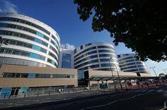 Birmingham's Queen Elizabeth Hospital facing demands to save £60 million http://www.birminghammail.co.uk/news/midlands-news/qe-hospital-facing-demands-save-8535369…