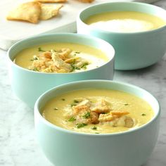 Garlicky Cheddar Cheese Bisque Recipe -I came up with a cheddar cheese soup a while ago and decided to give it a boost with a variety of root vegetables. Crushed pita chips and fresh parsley make fun garnishes. Cheddar Cheese Soup, Beer Cheese, Best Soup Recipes, Dinner Recipes, Favorite Recipes, Bisque Recipe, Seafood Bisque, Asparagus Soup, Turkey Soup
