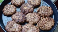 Hjemmelagde Karbonader | Gladkokken Norwegian Food, Cloud Bread, Recipe Boards, Tapas, Nom Nom, Food And Drink, Gluten, Yummy Food, Favorite Recipes