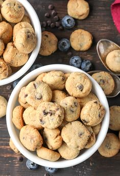 This Paleo Cookie Crisp Cereal is a healthy re-make of the popular kids breakfast. Made with wholesome ingredients, naturally sweetened and so delicious! This will become a family favorite! Is this the most healthy breakfast Paleo Cereal, Healthy Cereal, Healthy Muffins, Good Cereal, Cereal Recipes, Paleo Recipes, Gourmet Recipes, Real Food Recipes, Yummy Food