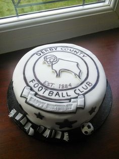 Derby county football cake Derby County, Archie, Birthday Cakes, Cake Ideas, Football, Happy, Desserts, Food, Soccer