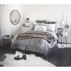 college apartment bedrooms. ICYMI  when you graduate we do too Now can follow us into College ApartmentsCollege DormsCollege Apartment BedroomsApartment 27 Perfect Purple Bedroom Design Inspiration for Teens and Adults