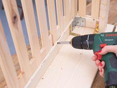 DIY-Anleitung: Heizungsverkleidung selber bauen via DaWanda.com Diy Interior, Dyi Crafts, Wood Crafts, Diy Radiator Cover, Baseboard Heater Covers, Flur Design, Home Organisation, Wood Bedroom, Home Projects