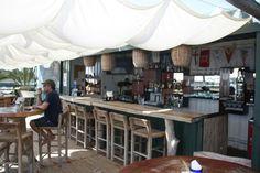 container restaurant - Buscar con Google Shipping Container Restaurant, Container Bar, Coffee Shop, Barrel, Outdoor Decor, Table, Furniture, Home Decor, Google Search