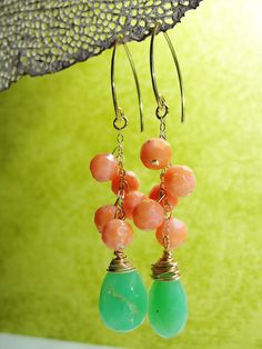 Love these earrings. I wonder if I can make them?