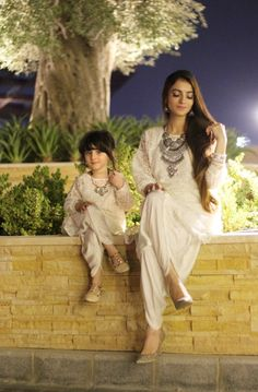 Agar call sunr ai ho to bolo ab ye kya hai? Tell mai straight forwardly benish Mommy Daughter Dresses, Mom And Baby Dresses, Mother Daughter Matching Outfits, Mother Daughter Fashion, Mom Dress, Mom Daughter, Girls Dresses, Pakistani Dresses, Indian Dresses