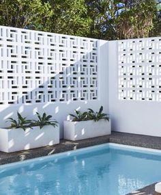 14 Ideas for Breeze Block Wall Inspiration – Breeze Blocks Modern Pools, Pool Designs, House Exterior, Decorative Concrete Blocks, Screen Block, Inspiration Wall, Breeze Blocks, Breeze Block Wall, Concrete Decor