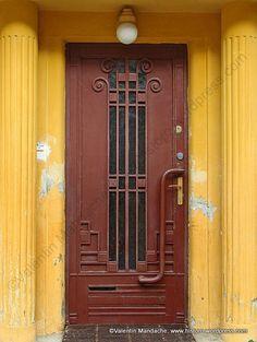 Art Deco style doorway, Bucharest
