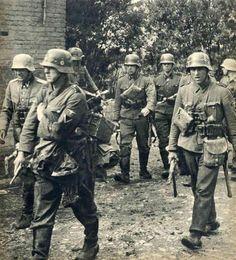 Waffen SS Officer Service Tunic & Breeches - Untersturmführer Rank - 2nd SS…