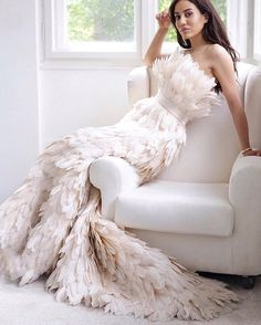 More than a dress Mihano Momosa, Bridal Dresses, Wedding Gowns, Rehearsal Dinner Outfits, Feather Dress, Feather Cape, Bride Shirts, Luxury Dress, Dream Dress
