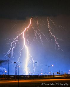 Ride The Lightning, Lightning Strikes, Lightning Storms, Pictures Of Lightning, Storm Wallpaper, Cumulonimbus Cloud, Pictures For Friends, Wild Weather, Cool Photos