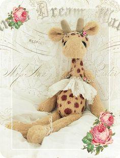 ... frisch aus dem Dickicht geschlüpft: T R O O O D I E Auch wenn Ihr ja viele Giraffenkinder schon kennt,  ich möcht Euch keiiiins davon vo...
