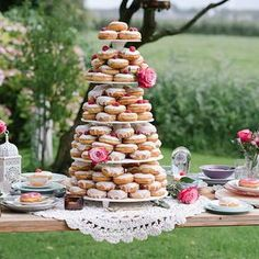 Wedding Reception Food 26 Reasons to Throw an Epic Brunch Wedding Brunch Mesa, Brunch Cake, Brunch Decor, Brunch Food, Brunch Recipes, Donut Bar, Donut Tower, Engagement Brunch, Engagement Parties
