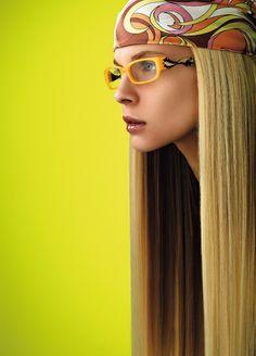 """Genesis Brillenmode - Das von durchwegs jungen Designern geführte italienische Designstudio Genesis hat einen völlig eigenen und unangepassten Stil entwickelt, der diese Marke als eine der wenigen """"reinen Brillenmarken"""" bekannt machte. Nach dem Startup vor etwa 10 Jahren ist diese Marke vor allem durch den Einsatz auffälliger und unkonventioneller Farbkombinationen in Kombination mit perfekter Passform in über 52 Ländern hoch erfolgreich. Design Studio, Designer, Band, Fashion, Color Combinations, Boys, Moda, Sash, Fashion Styles"""