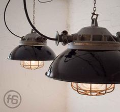 Factory Light, 1950s bei Pamono kaufen Industrial Ceiling Lights, Factory Lighting, Kettle, Kitchen Appliances, Wooden Crates, Ceiling Lamps, Diy Kitchen Appliances, Tea Pot, Home Appliances