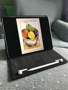 We think we're pretty creative here at MacCase. Then a customer sends us an image like this. Steve finds a wonderful new use for the interior magnets of our Premium Leather iPad Pro Folio. Bravo Steve! Thank you for sharing your super creative way to stay organized. #airpods #ipadpro #ipadcase Best Ipad, Macbook Pro Case, Ipad Pro, Ipad Case, Magnets, Pasta, Apple, Creative, Interior
