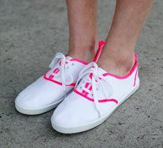 neon sneakers DIY http://ohmundocruel.com.mx/2012/06/diy-el-neon-llego-a-tus-tenis-blancos/#