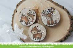 Diy christmas wood ornaments gift tags ideas for 2019 Wooden Christmas Decorations, Wooden Ornaments, Diy Christmas Ornaments, Rustic Christmas, Christmas Art, Christmas Projects, Holiday Crafts, Ornaments Image, Painted Ornaments