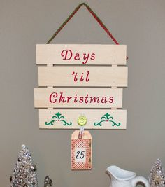 Days 'til Christmas Pallet | Countdown to Christmas Pallet Sign | Pallet Tutorials from @joannstores