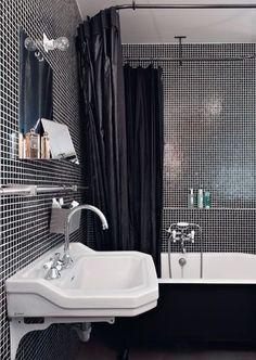 Esprit loft : noir et blanc pour une salle de bains très chic