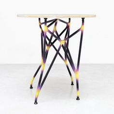 » 運用仿生設計,所製造的3D列印系統傢俱。