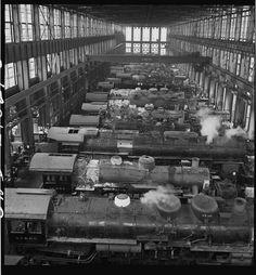 Atchison, Topeka, and Santa Fe Railroad locomotive shops at San Bernardino, California. Photographed by Jack Delano, 1943.