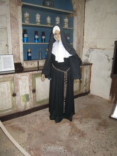 Médecins, soignants et pensionnaires à Hautefort.- 21) Salle du Père Eternel