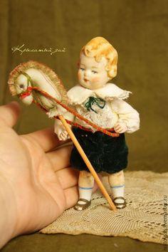 Купить Антикварный фарфоровый малыш Тео - бежевый, зеленый, бархат, антикварный фарфор, антикварная кукла