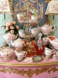 """compleet """" over the top """" vintage high tea party. Vintage High Tea, Shabby Vintage, Vintage China, Vintage Table, Vintage Teacups, Vintage Dishes, Vintage Tea Rooms, Top Vintage, Vintage Pottery"""