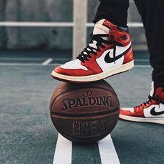Jordans – Sport is lifre Jordan Shoes Wallpaper, Sneakers Wallpaper, Nike Wallpaper, Sneakers Fashion, Sneakers Nike, Sneakers Design, Black Sneakers, Fashion Outfits, Michael Jordan Basketball