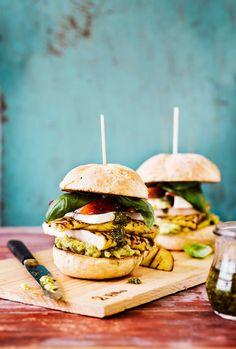 Hedelmäiset kanahampurilaiset | K-ruoka #grillaus