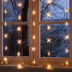 Starry window - this one shows 5 separate strands not connected at the bottom. How do they do it?