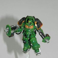 I made the mistake of glueingit to the base before painting. So trying to work around the stand left Warhammer Figures, Warhammer Models, Warhammer 40k Miniatures, Warhammer 40000, Warhammer 40k Salamanders, Salamanders Space Marines, The New School, Old School, Starcraft