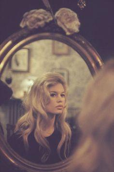 Spiegel Porträt kreativ Fotografie Ikone Brigitte Bardot Retro Vintage Inspiration Foto Ide