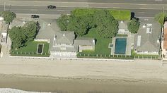David Geffen Sells Oceanfront Malibu Compound for Record Price David Geffen, Mortgage Loan Officer, Malibu Homes, Residential Real Estate, Real Estate News, Property Management, Architecture, World, Beach