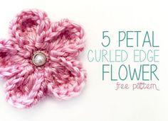 5 Petal Curled Edge Crochet Flower (Free Crochet Flower Pattern!)