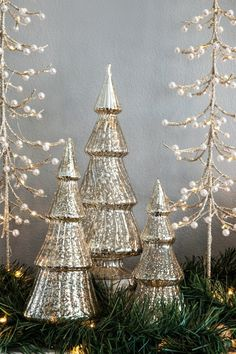 How to Decorate Your Mantel for the Holidays   Walking Through a Winter Wonderland