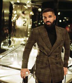 Drake To Drop The Viral Toosie Slide Track Drake Fashion, Love Fashion, Mens Fashion, Drake Instagram, Drake Wallpapers, Drake Iphone Wallpaper, Drake Clothing, Drake Drizzy, Drake Graham