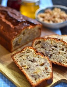 Chlebek bananowy z orzechami włoskimi Banana Bread, Baking, Food, Banana Bread Recipie, Recipes, Bakken, Essen, Meals, Backen